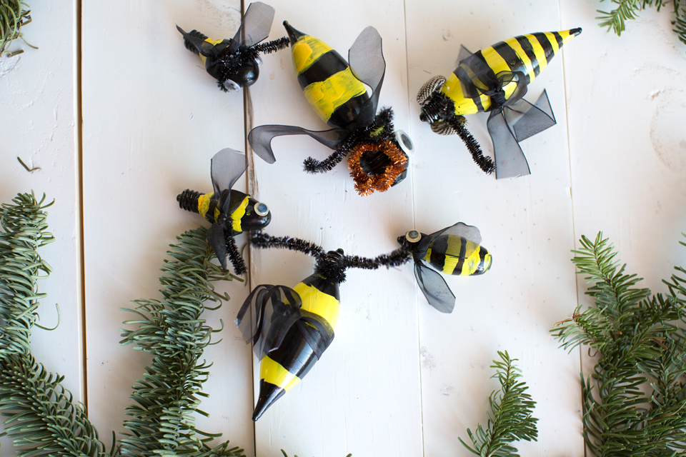 All the bees hanging out.